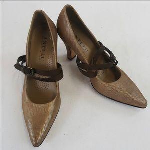 Anyi Lu gold/brown pointy pumps w/straps